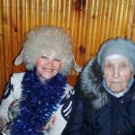 Герой праздника - Маргаритка и старейший педагог. Фото: ДДТ поселка Восточный
