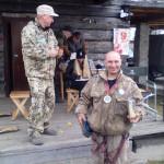 Награждение победителя конкурса на управление долбленкой. Фото: Сергей Азаров.