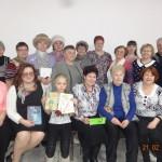 В Сосьве прошел Урок русского языка, на котором пенсионеры написали диктантк. Среди его участников быфли и представители молодежи. Фото предоставлены Ларисой Греф.