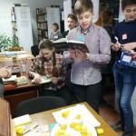 Книжное гадание в сосьвинской библиотеке. Все фото предоставлены Дарьей Мычалкиной.